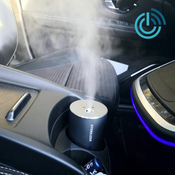 Berührungsloser mobiler Desinfektionsmittelsprüher fürs Auto