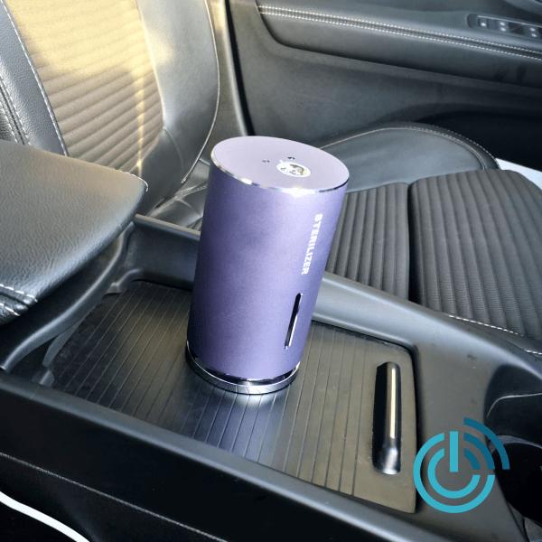 Berührungsloser Spender für Desinfektionsmittel fürs Auto